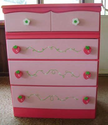 strawberry shortcake bedroom decor 17 best images about strawberry room on pinterest drawer pulls strawberry shortcake and party