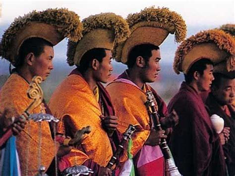 buddhist hair traditions 1000 images about headdresses on pinterest tibet