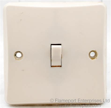 mk one way plastic light switch