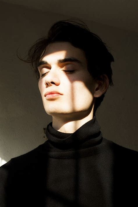 dark haired model for chico jordan fowler at elite models photographed by sophie
