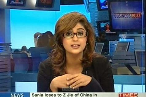 hottest female tv news anchors listoid top 10 glamorous news anchors in india