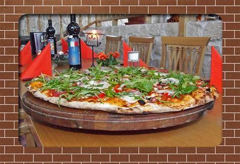 offerte di lavoro cameriere germania cercasi pizzaiolo a a kirchzarten in germania