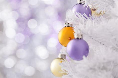 como decorar un arbol de navidad blanco c 243 mo decorar un 225 rbol de navidad blanco imujer