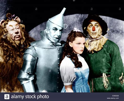 film fantasy z lat 80 the wizard of oz is a 1939 american musical fantasy film