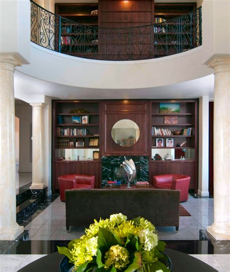 Built In Shelves In Living Room by 22 Sophisticated Living Rooms With Leather Furniture Designs