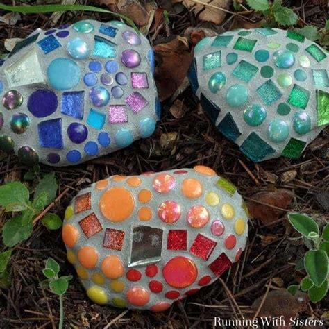 mosaic garden rocks    garden mosaics