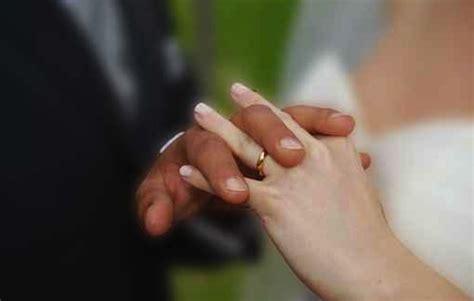 consulta permesso di soggiorno consulta si a matrimoni con immigrati irregolari donne