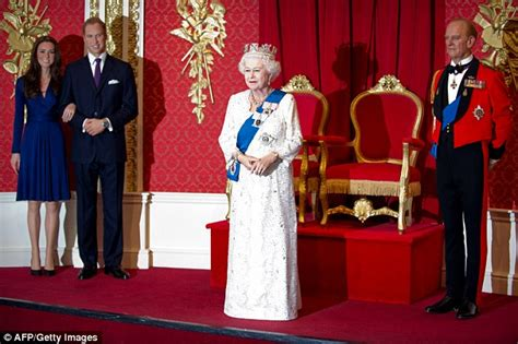 image gallery madame tussauds london queen