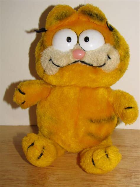 1981 Garfield Odie White Blue 1000 images about garfield on garfield cat jim davis and garfield comics