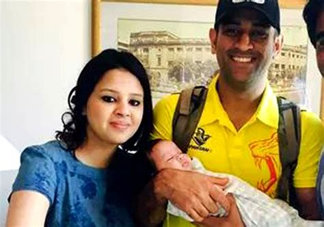 mahendra singh dhoni family childhood mahendra singh dhoni family pictures wife daughter db