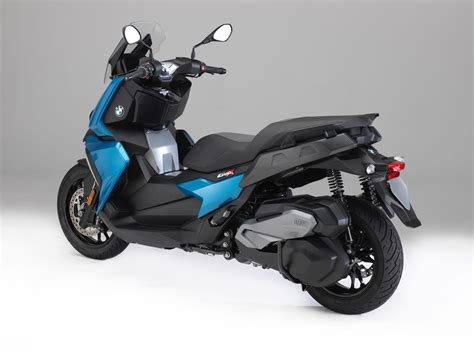 Motorrad Bmw 400 by 2018 Bmw C 400 X Scooter Look 10 Fast Facts