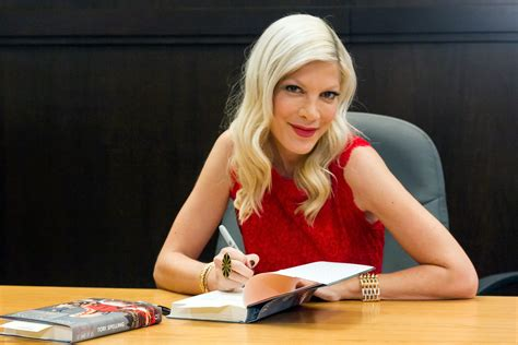 Best Decorating Books tori spelling just took the rose hair trend to a new level