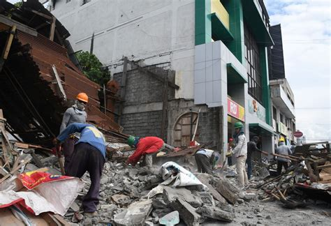 earthquake qatar 7 2 magnitude earthquake hits off southern philippines