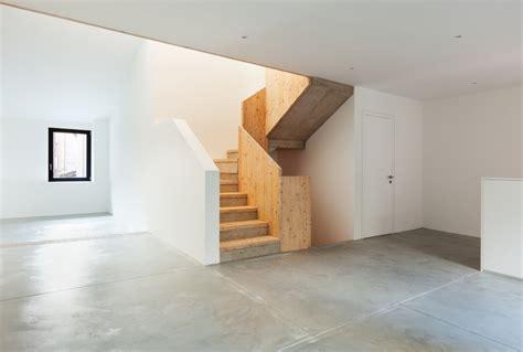 Treppe Mit Holz Belegen by Betontreppe Mit Holz 187 So Verlegen Sie Den Holzbelag
