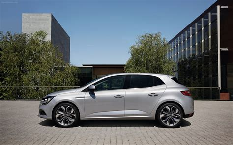 renault megane 2016 renault megane 2016 widescreen car photo 17 of 53