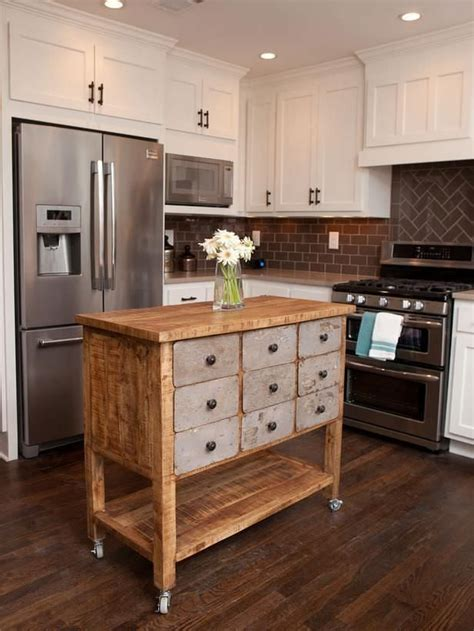 islands for kitchens small kitchens best 25 small kitchen islands ideas on small