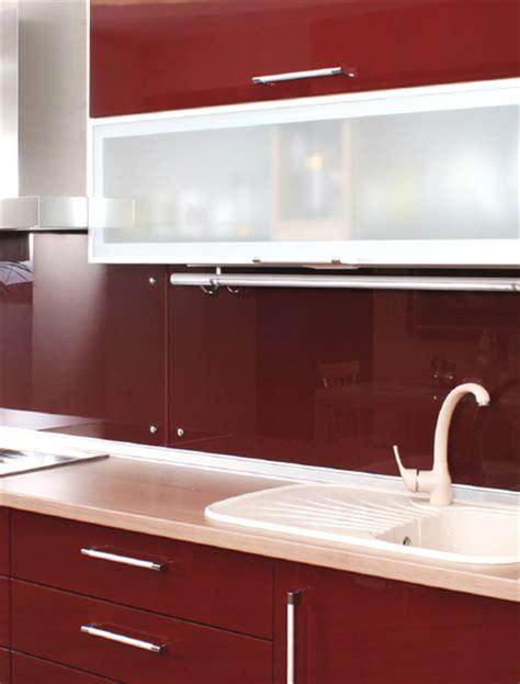 pareti cucine moderne pareti cucina colori bianco mensole