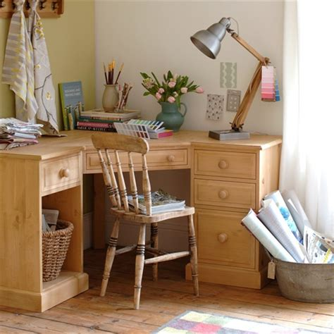 Corner Desk Pine Dorchester Pine Corner Computer Desk M249 With Free Delivery The Cotswold Company