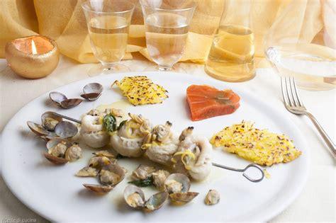 cucinare pesce gallinella spiedini di gallinella di mare con le vongole ricette di