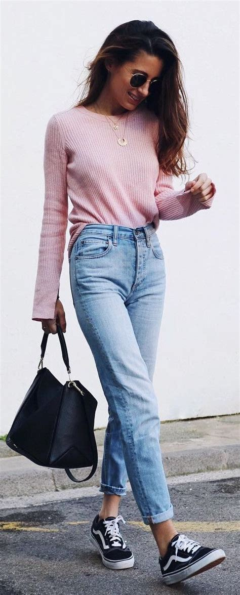 jean outfits on pinterest 22 best mom jeans images on pinterest 1990s woman
