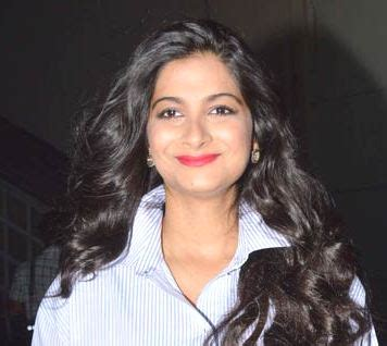rhea kapoor height, weight, age, biography, affairs & more