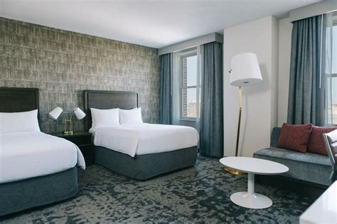hotels with in room st louis marriott st louis grand st louis mo 800 washington 63101