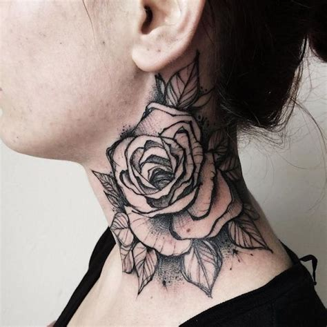 tattoo inspiration nacken tattoo nacken hals t 228 towieren gro 223 e rose in schwarz und