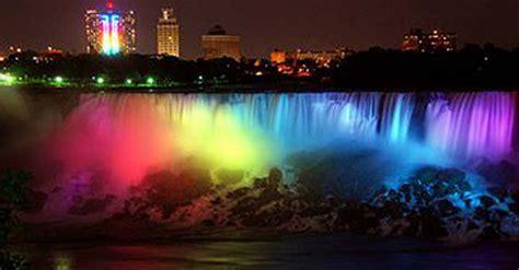 niagara falls at night rainbow niagara falls photo goes viral on twitter pic