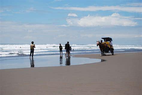 Baju Hijau Pantai Parangtritis misteri nyi roro kidul sang penguasa laut selatan pulau jawa