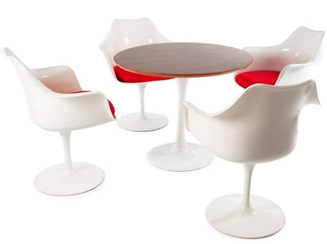 Tulip Table And Chairs by Tulip Table Saarinen And 4 Chairs