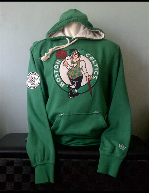 Hoodie Jaket Bola Liverpool Baseball Basket toko olahraga hawaii sports jaket adidas springfield classic boston celtic hoodie sweatshirt green