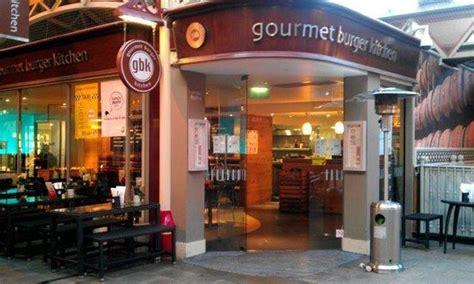 gourmet burger kitchen windsor windsor royal station jubilee arch updated  restaurant