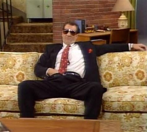 bundy couch hail to the king al bundy