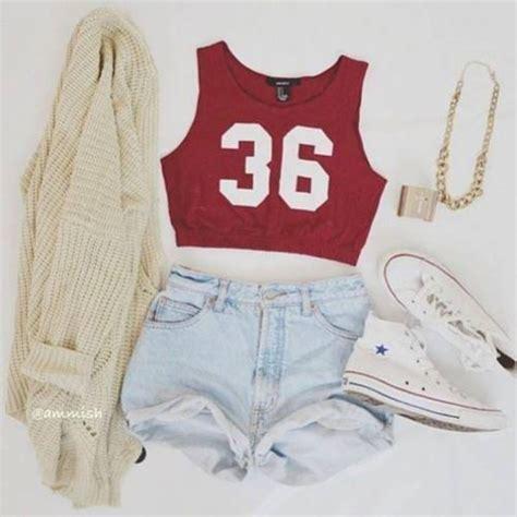 Jaket Converse Shoes Sweater Jaket Maroon tank top tank shorts sweater shoes belt jacket jewels swimwear skirt