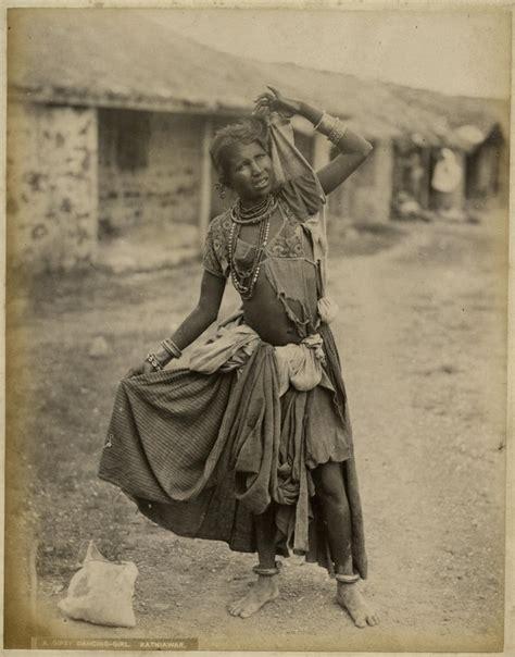 vintage photographs  indian nautch dancing