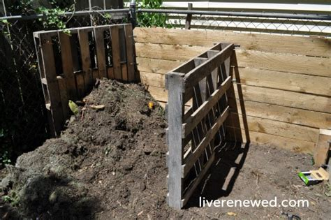 backyard compost pile the lazy guide to setting up your backyard compost green