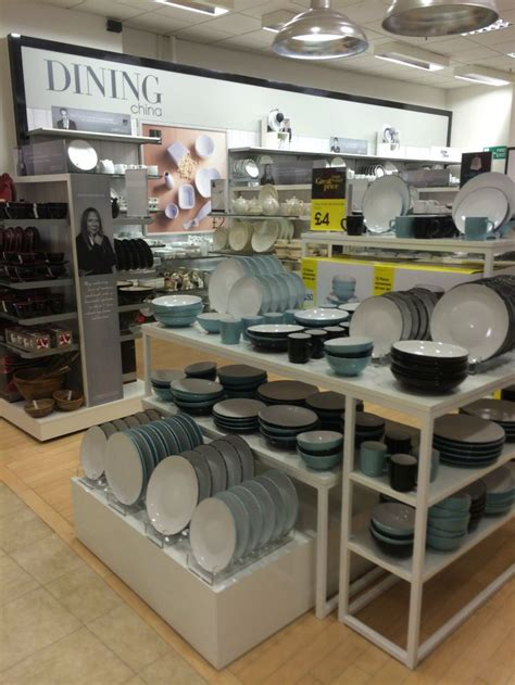 retail layout jobs 25 best ideas about visual merchandising jobs on pinterest