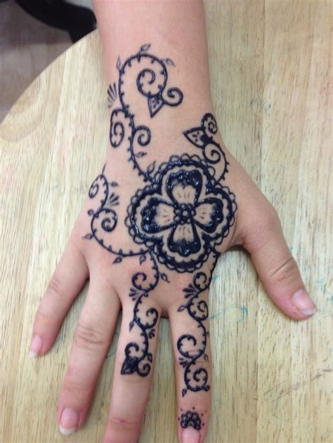 henna tattoo real 156 best images about henna on pinterest lower backs