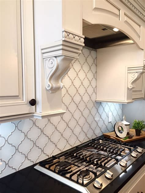 backsplash for a white kitchen white arabesque glass mosaic tiles kitchen