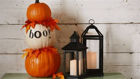 Pumpkin Tower Decoration by Create Some Bats