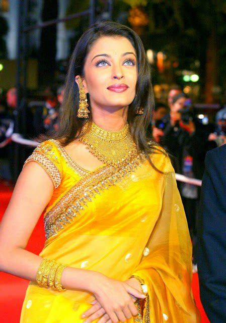 Aishwarya Rai Saree Yellow | bollywood actresses in saree