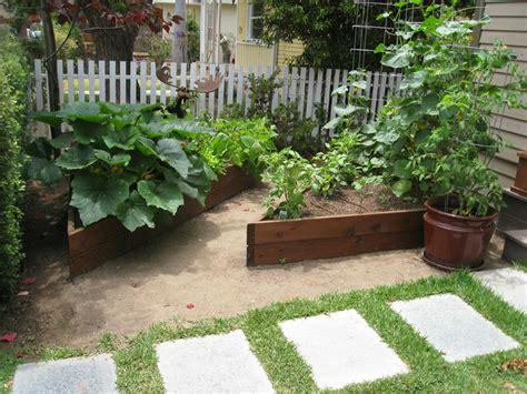 Backyard Vegetable Gardens Gardenerd Organic Edible Gardening Gallery Amp Testimonials