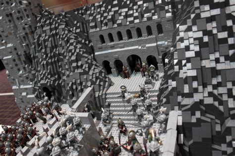 epic 150 000 lego brick lord of the rings helm s
