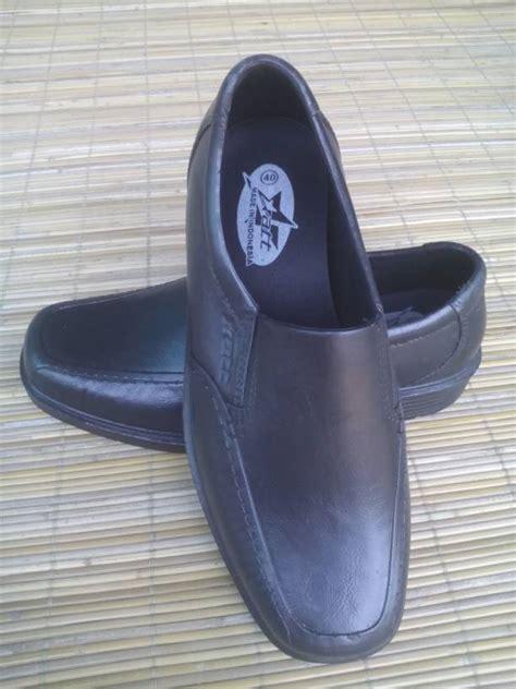 Sandal Karet Kesehatan Sandal Kesehatan Att Murah jual sepatu pantofel pria hak merk att hitam sepatu sandal karet