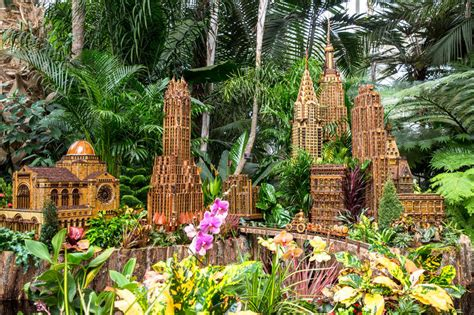 Nyc S New York Botanical Garden Holiday Train Show Returns Botanical Garden Show