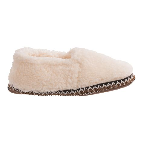comfy slippers womens comfy by daniel green fleece slippers for