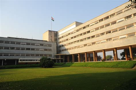 design programme iit kanpur top 3 internships at ibm iit kanpur and tata institute of