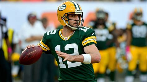 green bay packers c 7 aaron rodgers rallies packers past dolphins 27 24