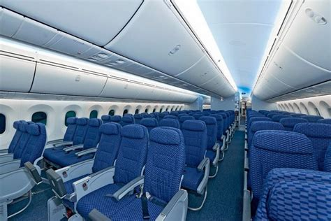 United Dreamliner Interior by United S 787 Dreamliner Unveiled Tripbadger