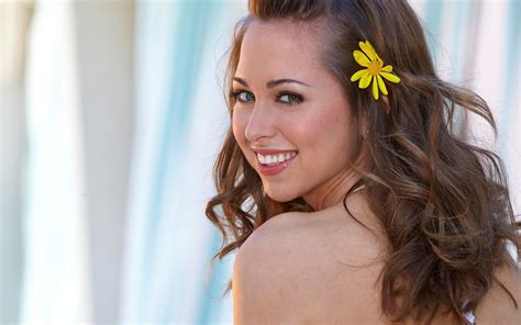 riley reid tattoo brunettes closeup smiling faces looking back